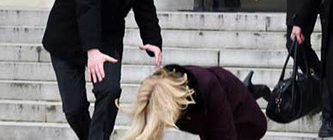 Danimarka Başbakanı Helle Thorning Schmidt Yere Düştü